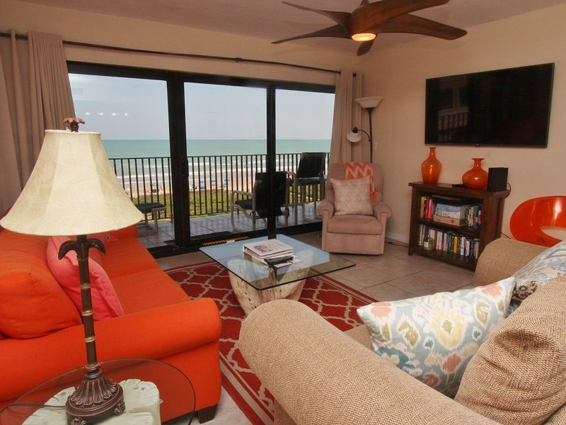 Very Modernly Decorated Ocean Front Condo, vacation rental in Port Isabel