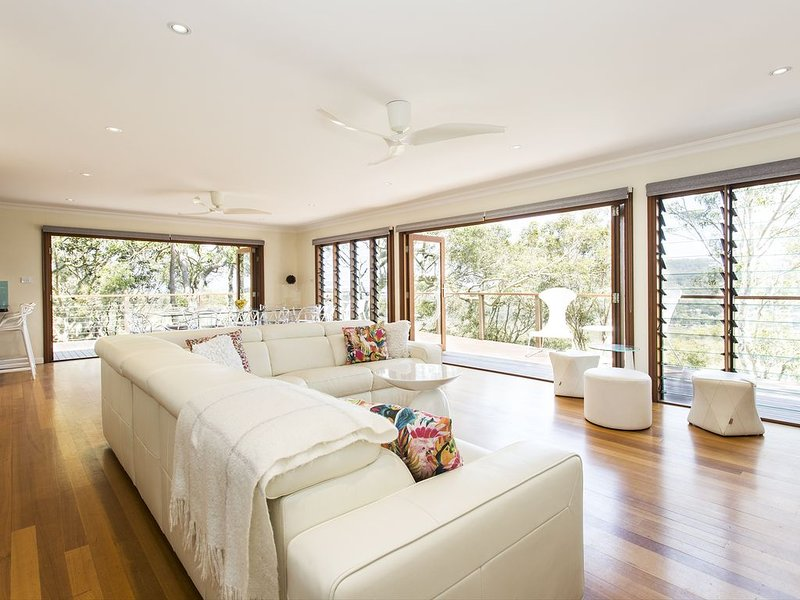 Whale Beach Modern Tree House with  Ocean and Pittwater Views, alquiler vacacional en Whale Beach