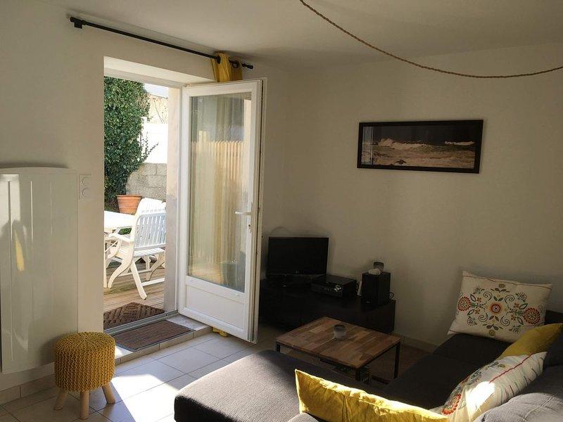 Joli appartement avec jardin  à deux pas des Rochers de St Guénolé et de Plomeur, location de vacances à Penmarch