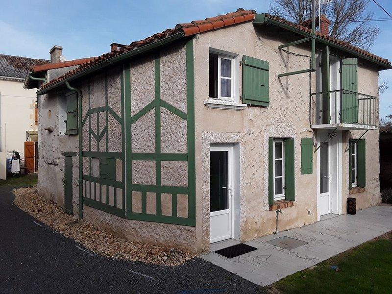 Maison sur les bords de Vienne., alquiler de vacaciones en Montmorillon
