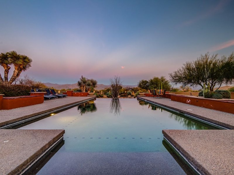 Private Southwest Sanctuary- Experience true desert living at its finest, aluguéis de temporada em Rio Verde