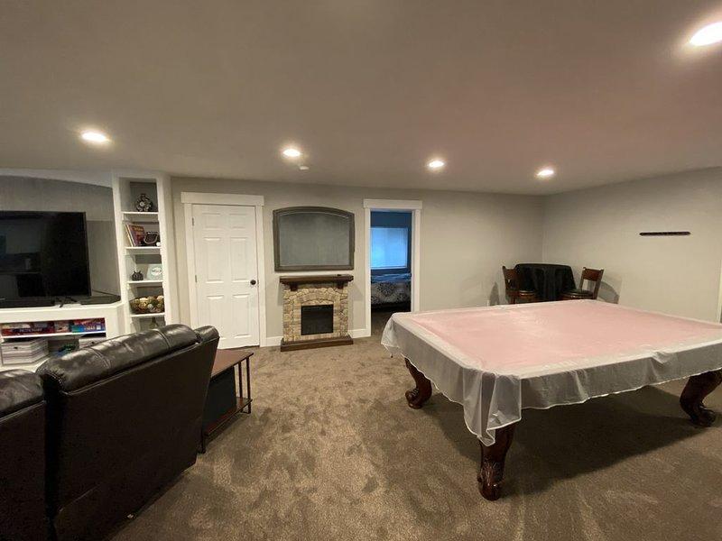 Pro-Cleaned/Private Apt/Mem-foam beds/1500+sqft, casa vacanza a Midvale
