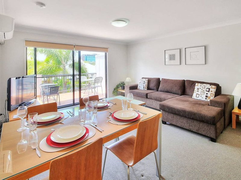 Prime Location 1 Bed Apt in Central SouthBank, holiday rental in Indooroopilly