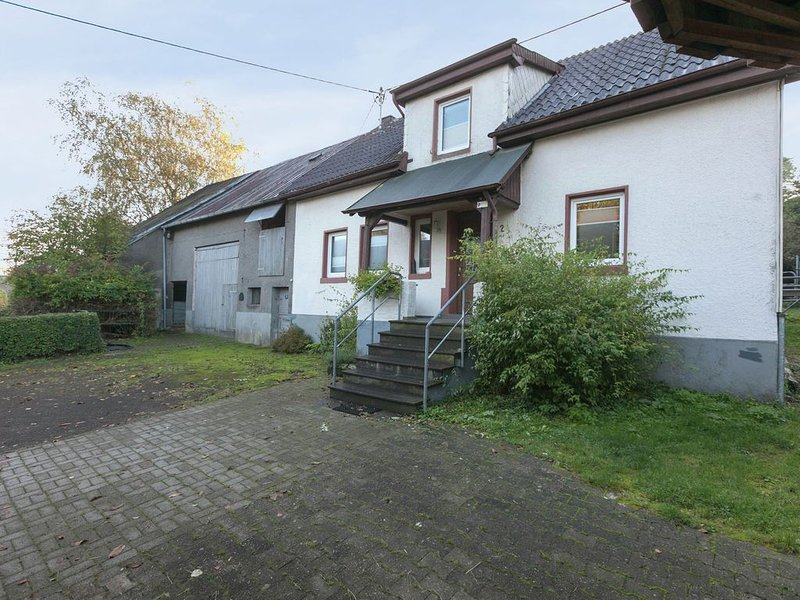 Inviting Villa in Steineberg near Forest, holiday rental in Udler