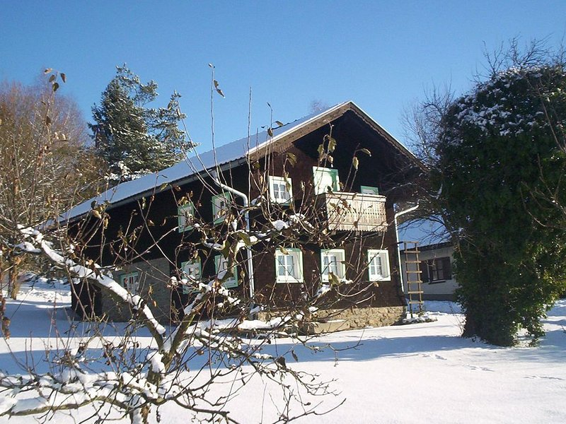 Tranquil Holiday Home in Rattersberg with Private Terrace, holiday rental in Lower Bavaria