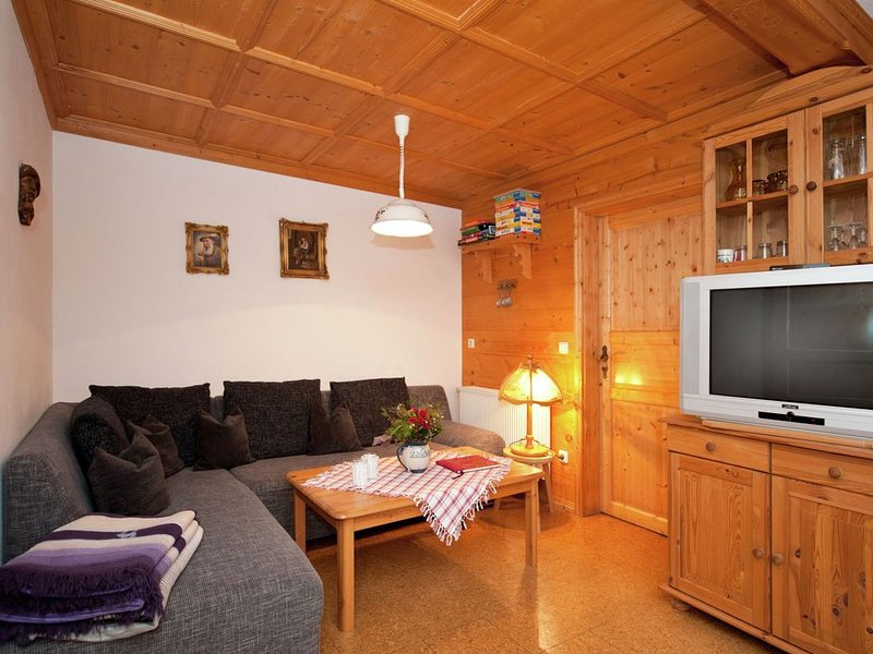 Spacious Apartment in Steingaden near Ski Area, holiday rental in Rottenbuch