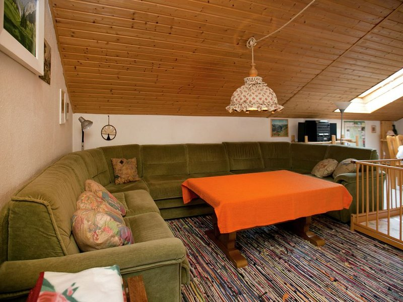 Restful Holiday Home near Ski Lift in Petersthal, vacation rental in Nesselwang