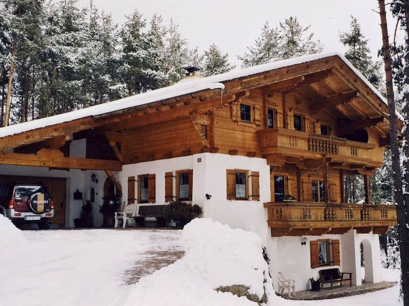 Cozy Apartment in Obsteig near Ski Area, holiday rental in Telfs
