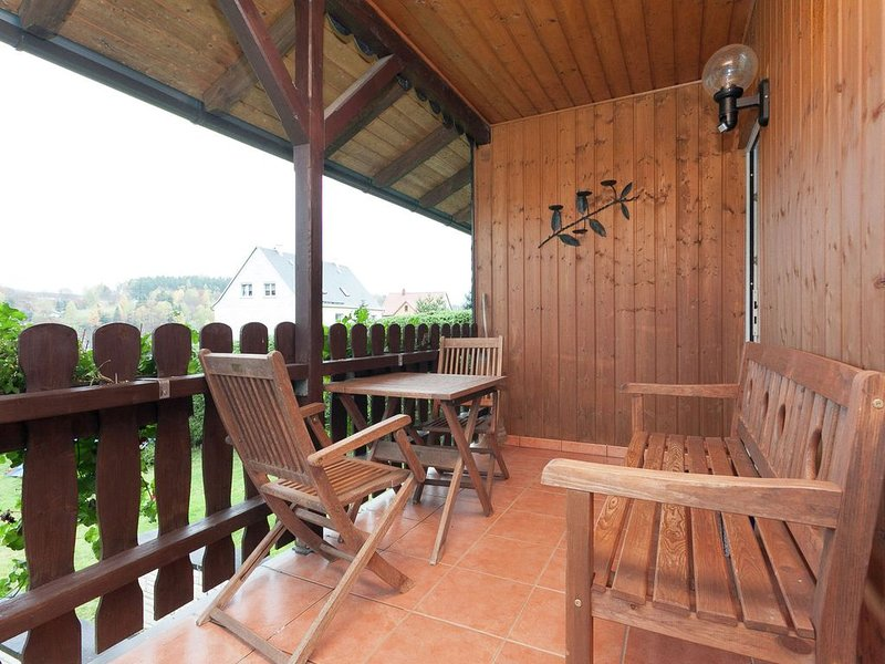 Holiday Home in Altenfeld with Private Garden, Terrace, BBQ, casa vacanza a Frauenwald