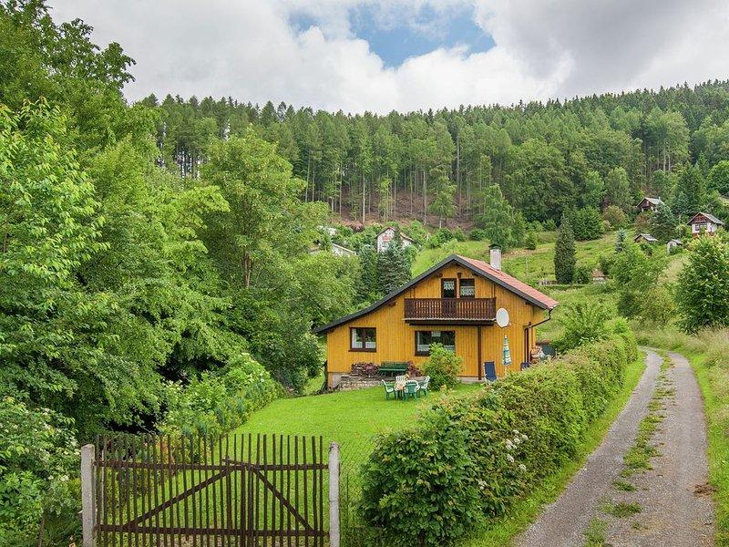 Mod Holiday Home in Kurort Steinbach-Hallenberg with Terrace, holiday rental in Meiningen