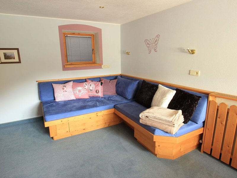 Peaceful Apartment in Wildschönau Ski Area, holiday rental in Grafenweg