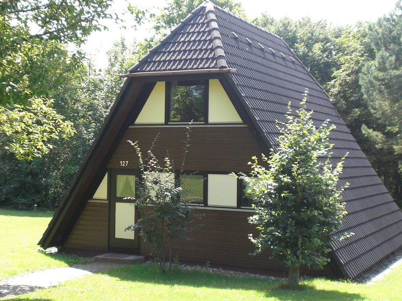 Detached, nice bungalow on Katzenbuckel mountain, holiday rental in Strumpfelbrunn