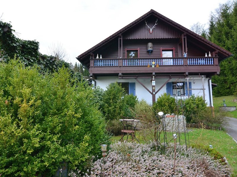 Beautiful holiday home with private sauna near the Ilztal nature reserve, holiday rental in Spiegelau