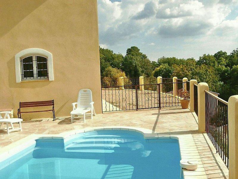 Luxurious Villa in Cotignac with Private Pool, location de vacances à Cotignac