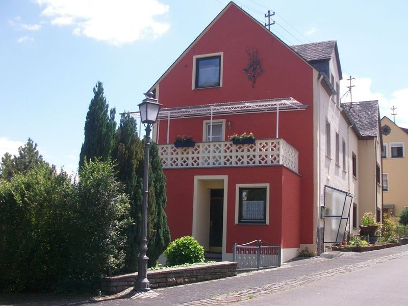Comfortable Holiday Home near Vineyards in Bremm, holiday rental in Neef