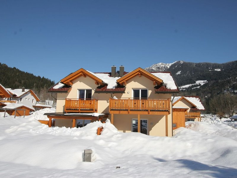 Spacious Chalet near Ski Slopes in Kotschach-Mauthen, holiday rental in Kotschach