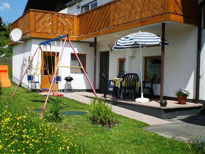 Modern apartment in Lechbruck with private terrace and outside entrance, vacation rental in Burggen