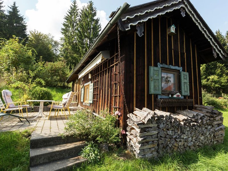 Quaint Holiday Home in Peißenberg with Private Terrace, holiday rental in Diessen