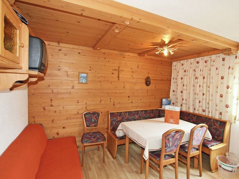 Gorgeous Apartment in Kappl Tyrol with Mountain Views, vacation rental in Ischgl
