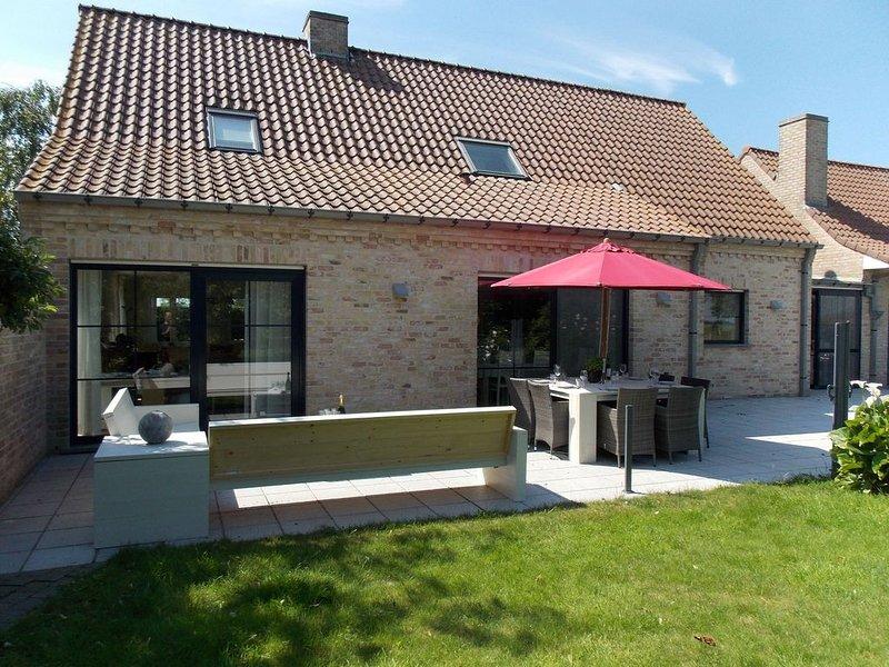 Sun-kissed Villa in Diksmuide with Garden, Terrace, Sauna, holiday rental in Lo-Reninge