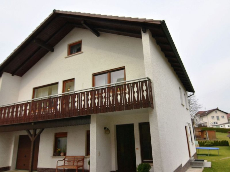 Modern Apartment near Forest in Burggrub, vacation rental in Sonneberg