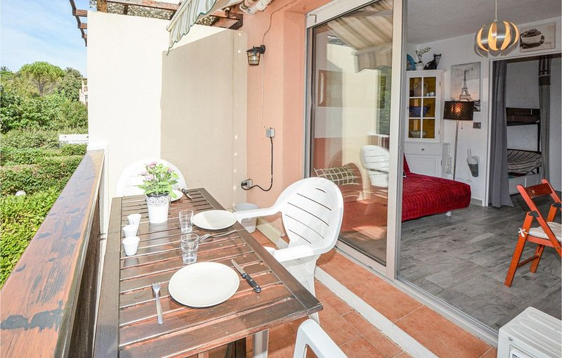 1 Zimmer Unterkunft in Sausset-les-Pins, holiday rental in Sausset-les-Pins