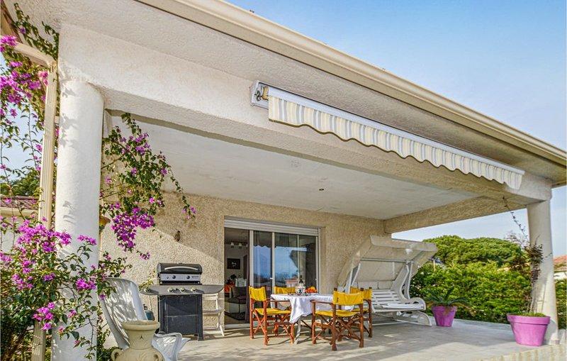 3 Zimmer Unterkunft in Santa Maria Poggio, casa vacanza a Santa-Maria-Poggio