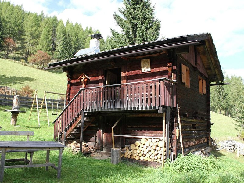 Quaint Holiday Home in Mörtschach with Barbecue, holiday rental in Mortschach