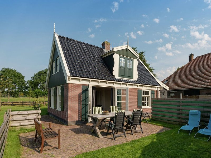 Alluring Holiday Home in Hippolytushoef with Garden, Terrace, aluguéis de temporada em Westerland