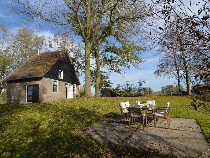Picturesque Holiday Home in Drimmelen with Garden, Ferienwohnung in Prinsenbeek