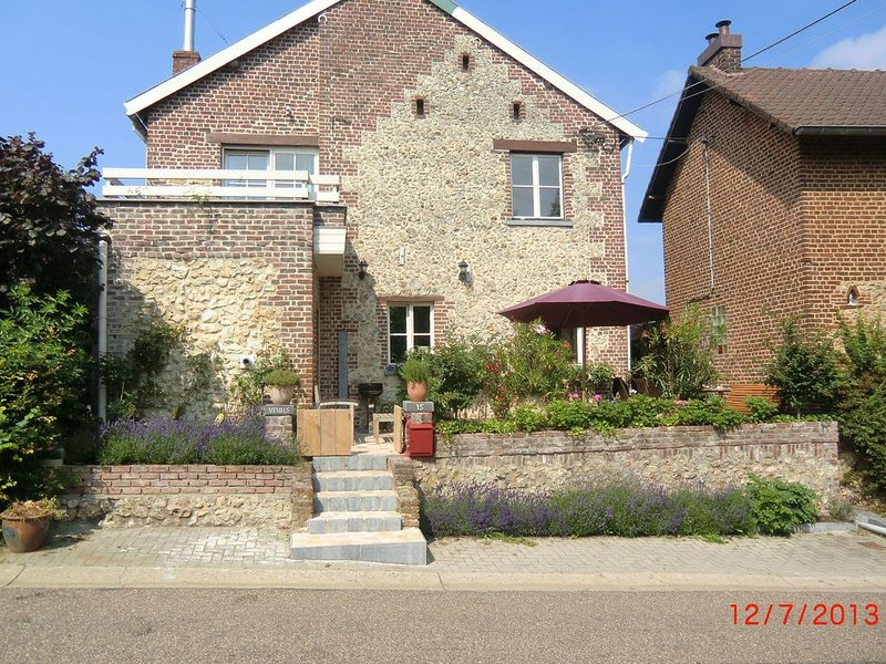 Heritage Holiday Home in Voeren with Terrace, holiday rental in Thimister-Clermont