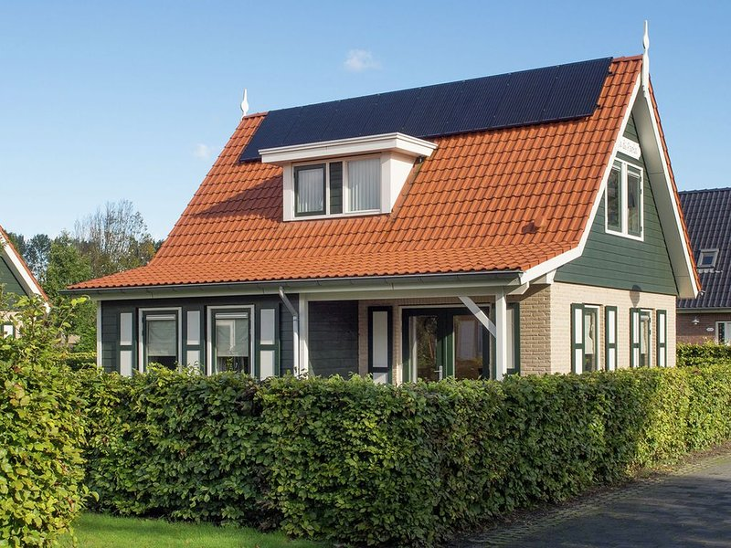 Atmospheric holiday home in a quiet location on the outskirts of Zonnemaire, holiday rental in Brouwershaven