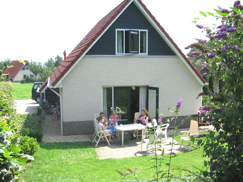 Comfortable house with WiFi, near the forest and Nijmegen, holiday rental in Gennep