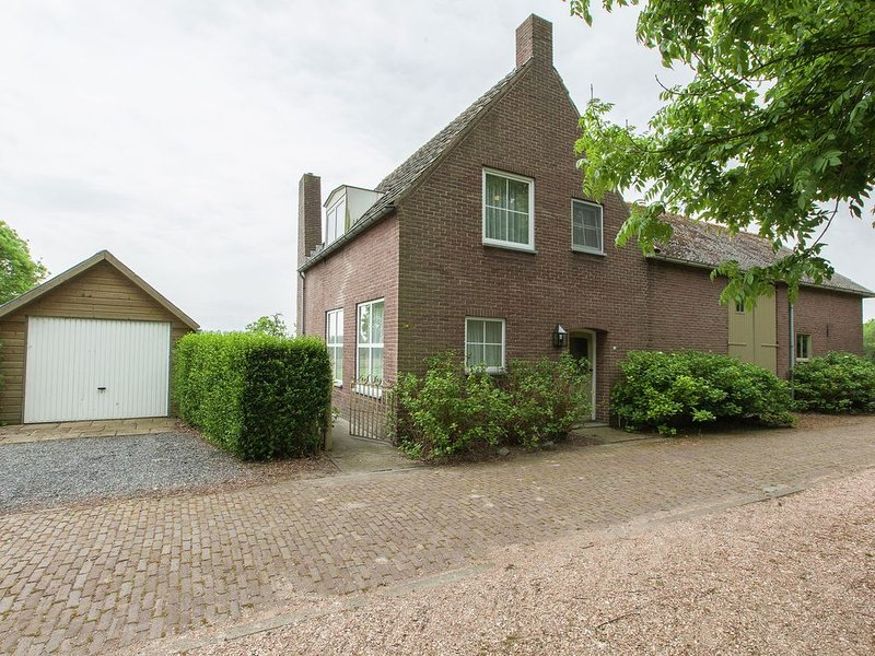 from the Zealand coast and 20km from Brugge!, holiday rental in Sluis