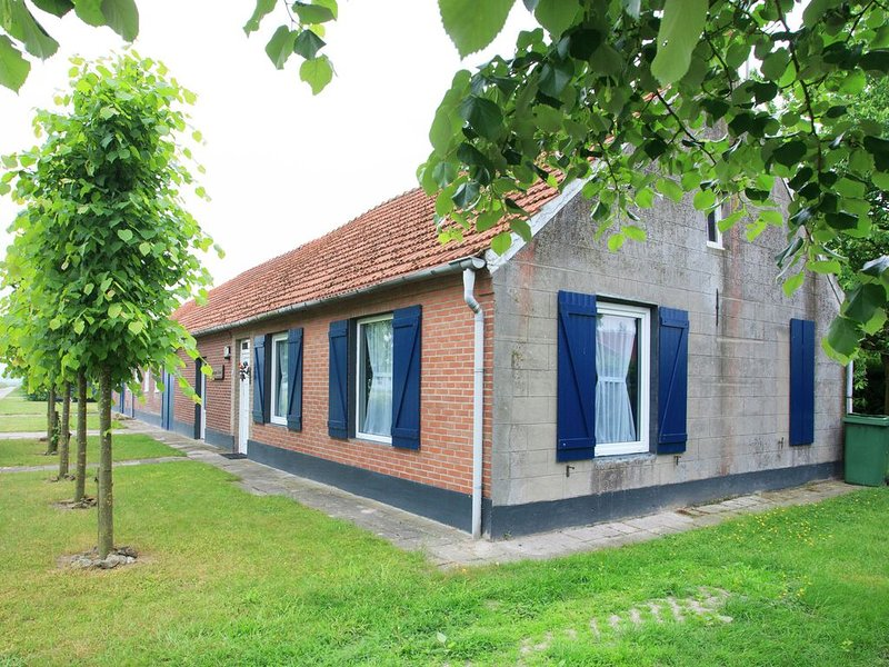 Beautiful Holiday Home in Nederweert-Eind with Garden, vacation rental in Ell
