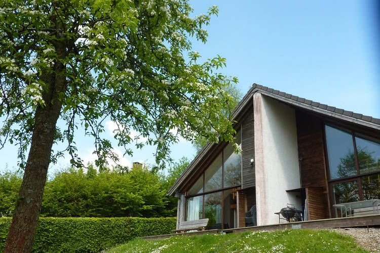 Pleasant chalet on the heights of Malmedy., location de vacances à Francorchamps