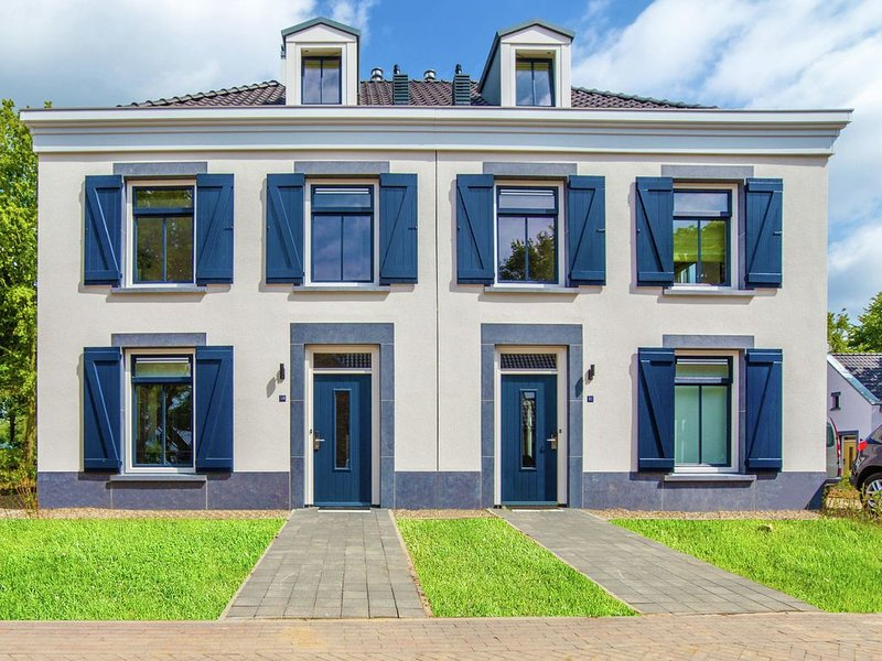 Stately, luxurious villa with whirlpool, 4km from Maastricht, location de vacances à Rekem