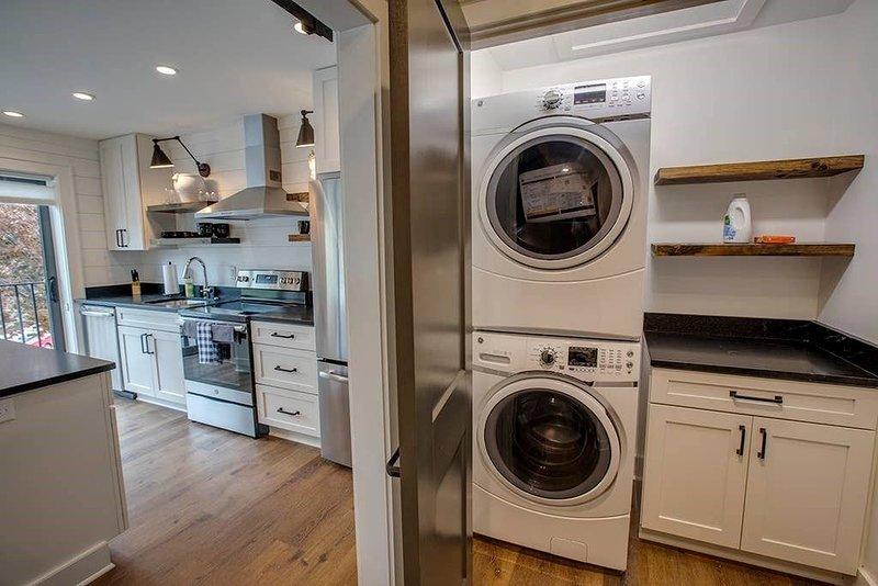 Ravenel Room - laundry