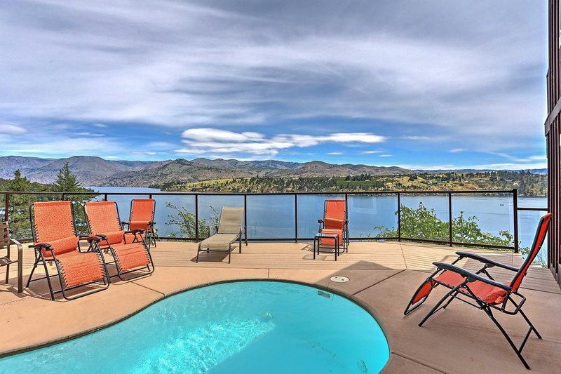 Mountainside Chelan - 2 houses for the price of one, private waterfront, small p, location de vacances à Chelan