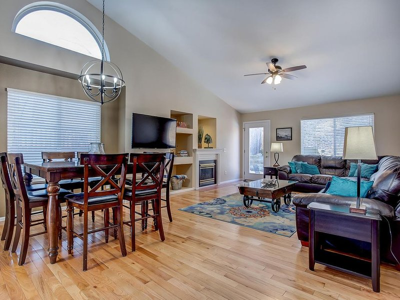 Spacious 6 Bdr Family Home near Park & Recreation Center, vacation rental in Colorado Springs
