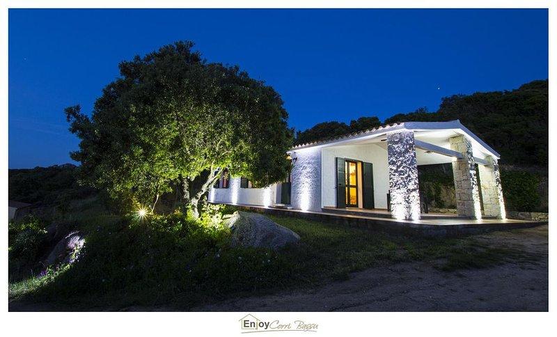 Casa vista mare -  8 min dalla spiaggia, holiday rental in Aglientu