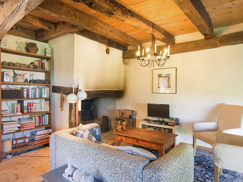 Tasteful Apartment in Juvinas with Garden Furniture, holiday rental in Antraigues-sur-Volane