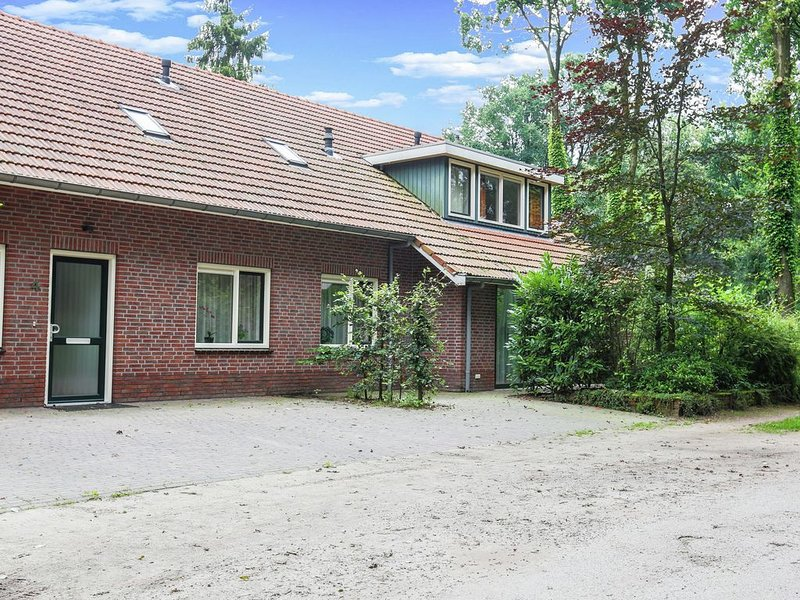 Attractive Holiday Home in Winterswijk near Forest, location de vacances à Zwillbrock