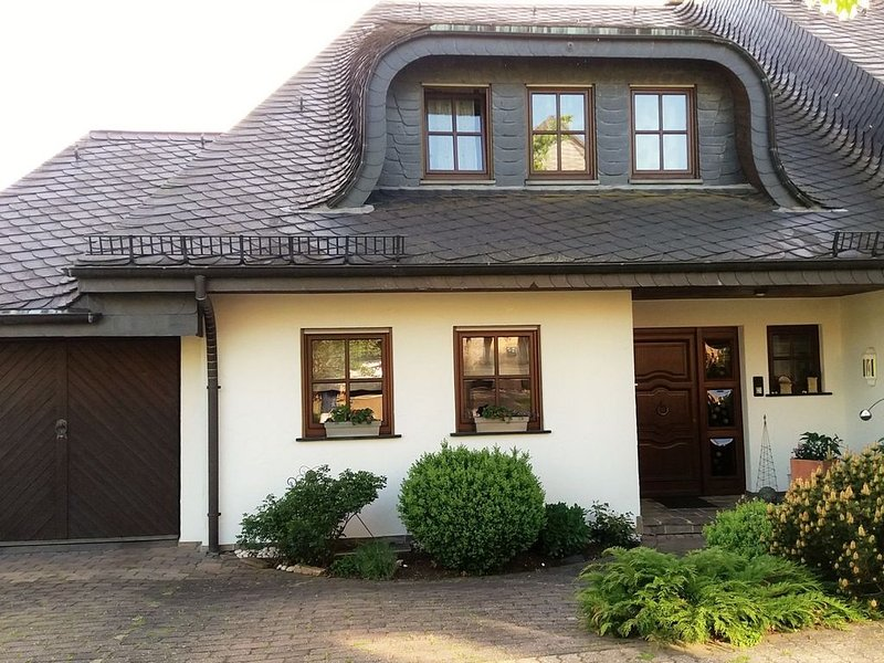 Spacious apartment in the Vulkaneifel, holiday rental in Auderath