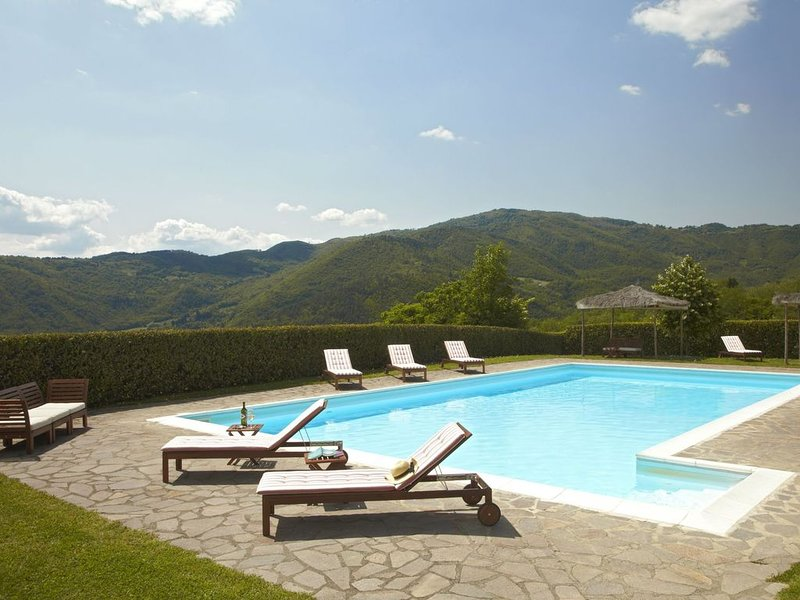 Charming cottage situated on an estate, vacation rental in Pontassieve