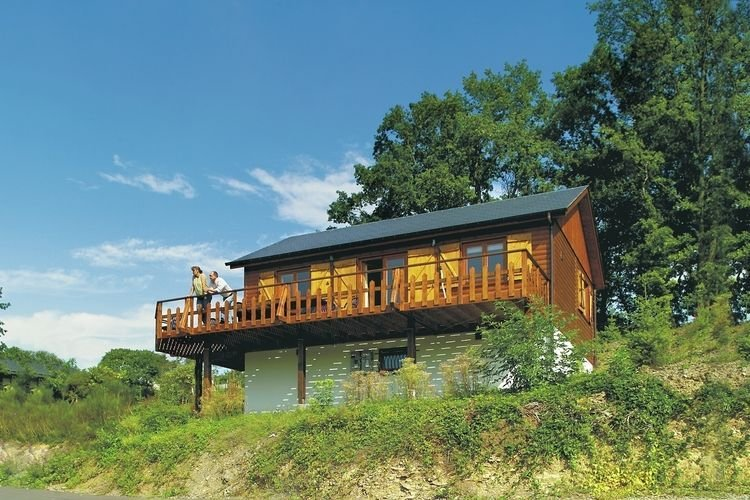Beautiful chalet with panoramic views., vacation rental in La Roche-en-Ardenne
