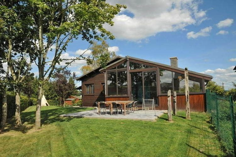 Recently fully renovated chalet for 9 persons., vacation rental in Somme-Leuze
