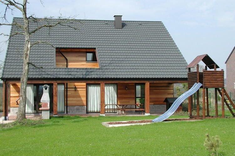 A beautiful wooden villa for 12 people., aluguéis de temporada em Durbuy
