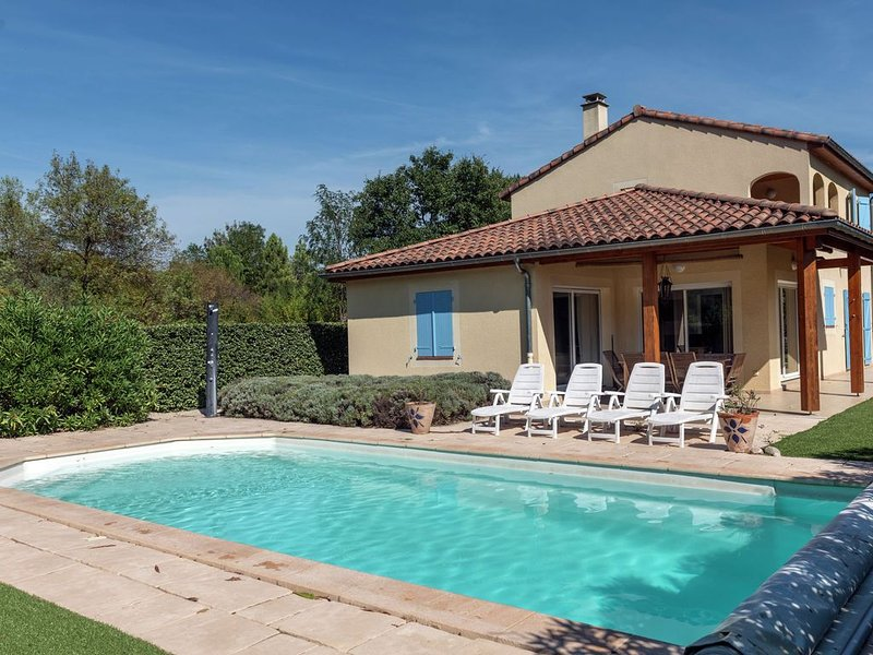 Sun drenched villa in Ardeche with Pool, holiday rental in Lagorce