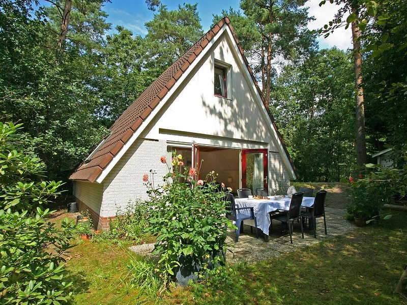 Cosy Holiday Home in Nunspeet near the Forest, holiday rental in Vaassen